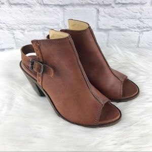 Frye Courtney Sling Brown Leather Sandals